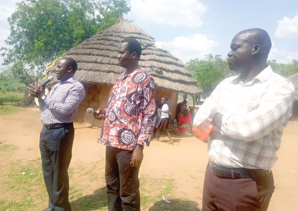 KOSEUNAI! Paul Ongoet (FDC), Joseph Opul (NRM) kede Geoffrey Omolo ejaasi aimaima aseak itauon kocaalo lo Apuuton, eitela Aliakamer ko Katakwi distrikt pac